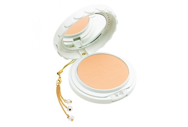 Bisous Glutathione Powder Pact- #1 Ivory